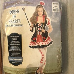 Queen of hearts Halloween costume